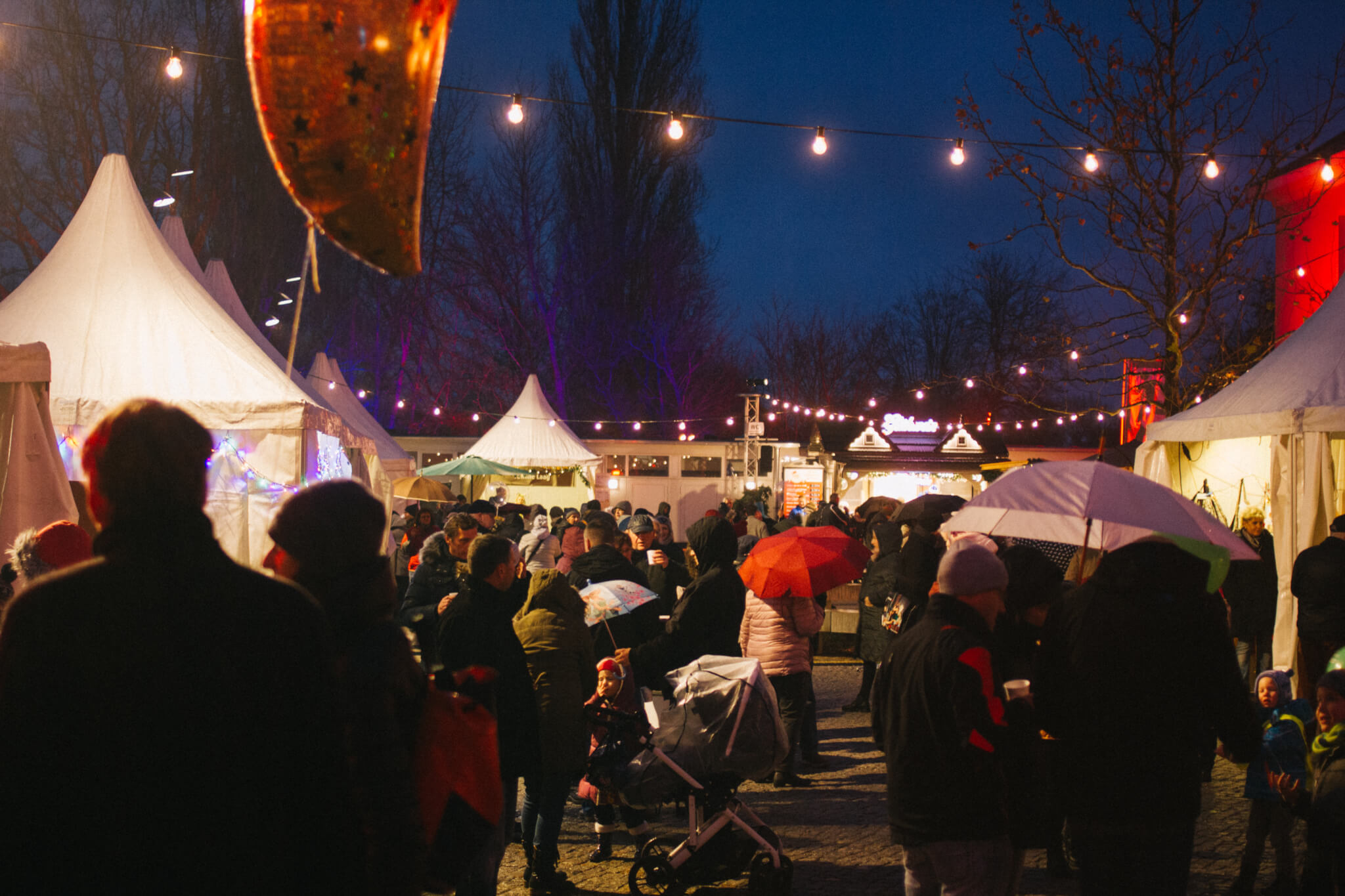 weihnachtsmarkt-in-ludwigsfelde-klubhaushof-5997