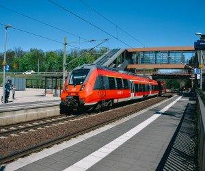 Bahnhof Struveshof Zug Regio